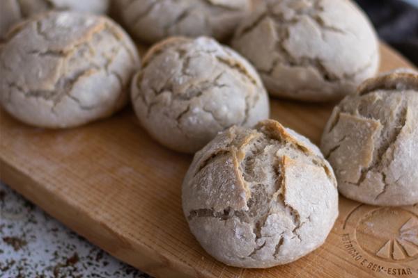 Pãezinhos de trigo e polvilho doce