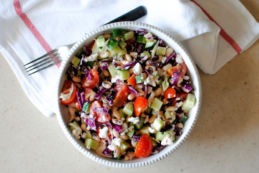 Salada Saciante de Feijão e Queijo de Cabra