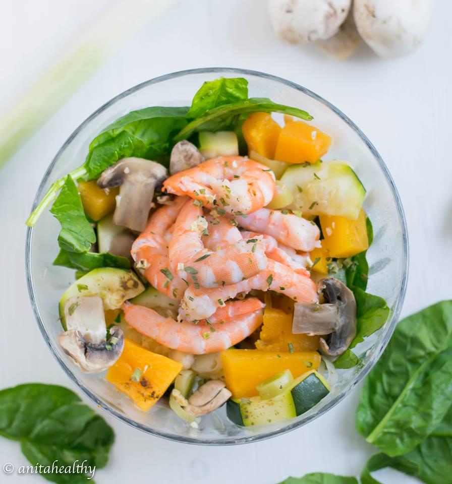 Salada de Camarão Colorida